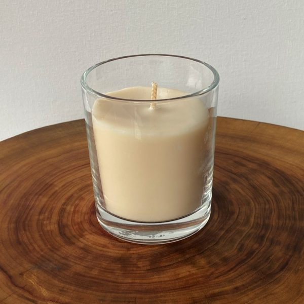 Lime & Coconut pure soy Classic, with glass, burns brightly for a total of 35 hours with a refreshing, tropical, zesty aroma.
