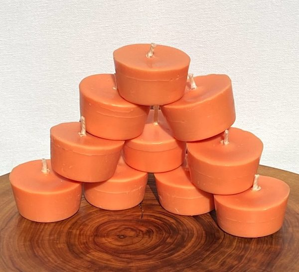 Ten Sweet Orange, Ginger, Cinnamon & Vanilla pure soy Votives burn brightly for a total of 80 hours with a warm, spicy aroma.