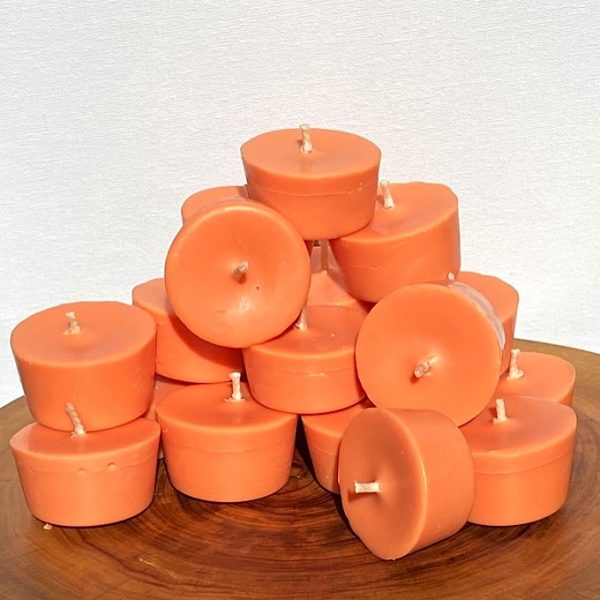 Twenty Sweet Orange, Ginger, Cinnamon & Vanilla pure soy Votives burn brightly for a total of 160 hours with a balmy, spiced, winter aroma.