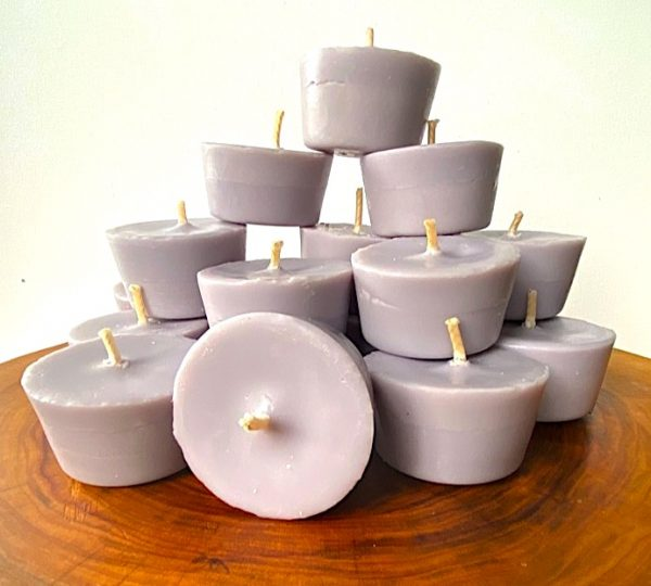 Ten Lavender and Vanilla pure soy Votives burn brightly for a total of 80 hours with a lavish, calming aroma.