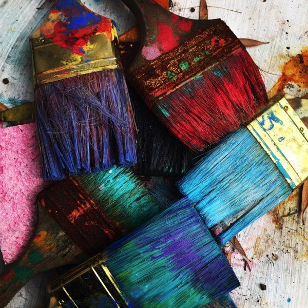 Surprising colours make good combinations. rhondak-native-florida-folk-artist - Unsplash.