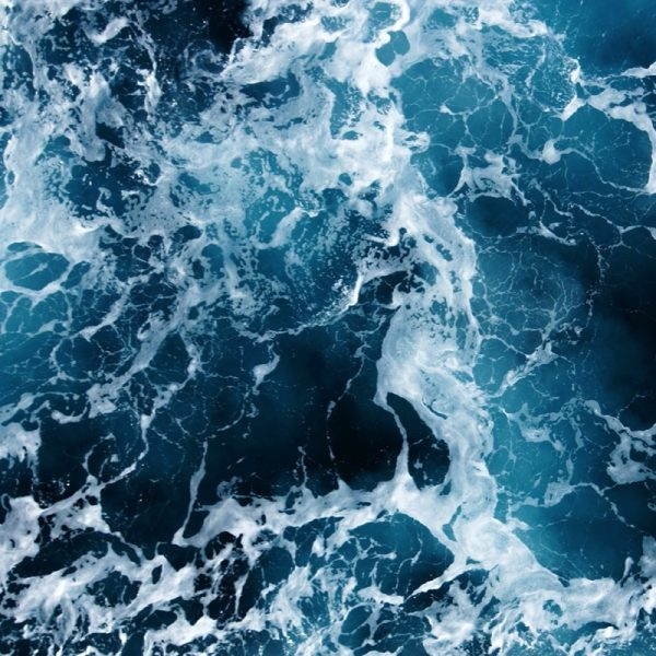 Refresh- Teal, sapphire blue and white - quintessential colours of the sea. Photo by Michaela Agnello/Eyeem/Getty Images